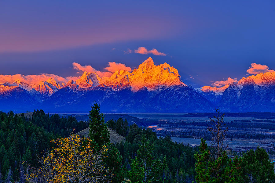 Alpenglow morning light on the Tetons