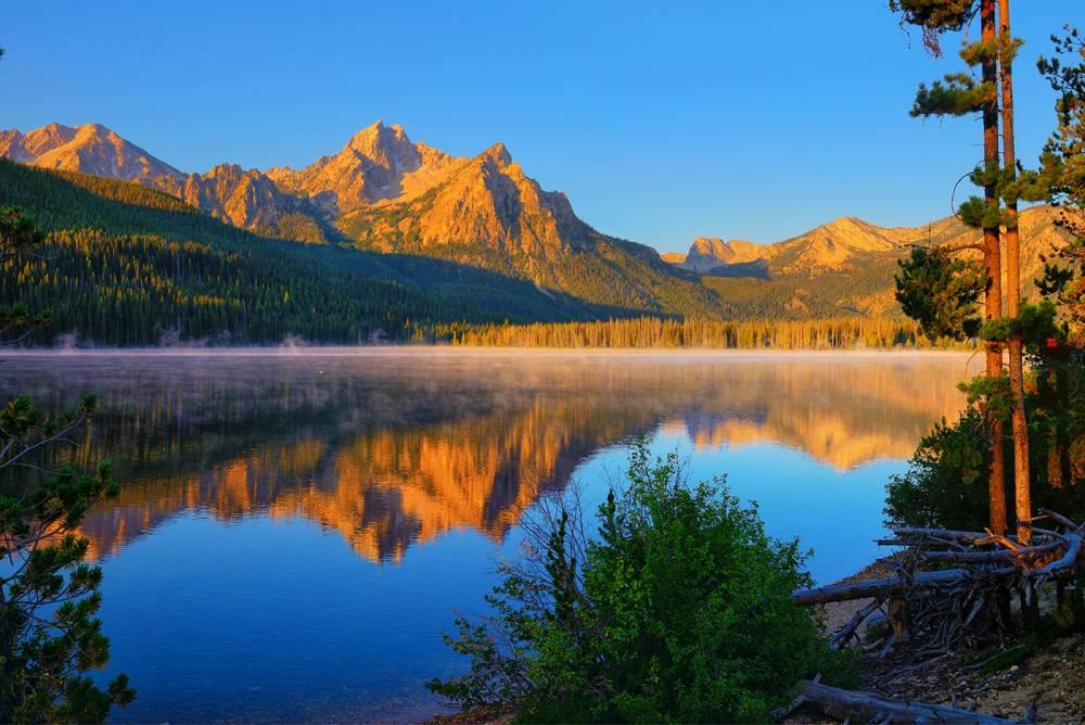 Dawn on Stanley Lake