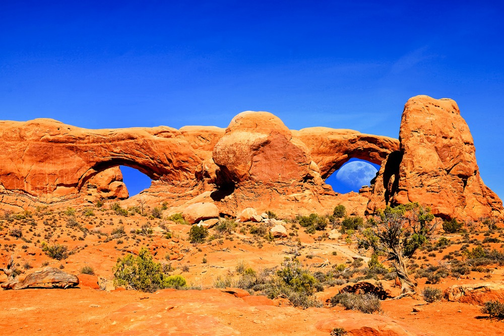 Arches Moon Eye