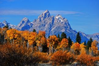 Autumn Peak Beneath the Peaks