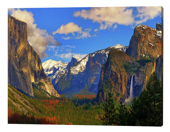 Yosemite Valley Canvas Print